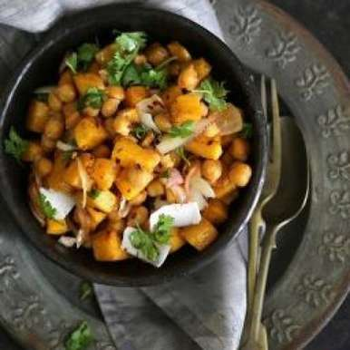 Roasted pumpkin and chickpea salad